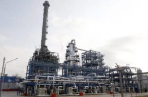 La reunión se da luego que se acordará retirar del mercado 10 millones de barriles diarios (mbd) de crudo.