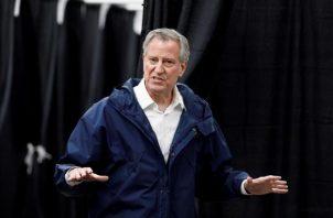 El alcalde de Nueva York, Bill de Blasio,aplaudió el complicado rol que los profesores han tenido que asumir en las últimas semanas y la rapidez con la que se han adaptado a las nuevas circunstancias. FOTO/EFE