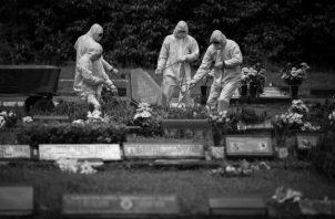 Vista de un funeral de una víctima del Covid-19 en Brasil Foto: EFE.