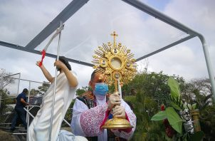 El recorrido inició en el Seminario Mayor San José hacia Tocumen y luego se dirigirá por la Vía España hacia Calidonia. Foto: Eduard Santos.