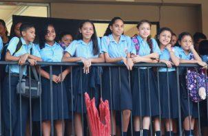 Estudiantes, padres de familia y docentes están a la espera que el Meduca haga el anncio sobre cómo queda el año escolar.