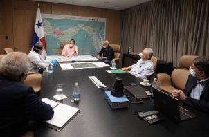 Reunión entre directivos del Idaan y miembros del Ejecutivo.