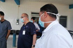 El director de la Caja de Seguro Social, Enrique Lau, realizó una inspección en el hospital de Soná.