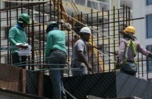 El sector de la construcción aporta al producto interno bruto (PIB) aproximadamente el 15% y además genera 172 mil 877 plazas de empleo.