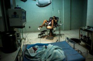 Un hospital público en La Victoria, como otros en Venezuela, carece de artículos claves como jabón y gasas. Foto / Meridith Kohut para The New York Times.