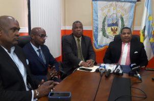 Municipios en Panamá cerrarán por falta de recursos.