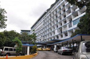 El Complejo Hospitalario Dr.Arnulfo Arias Madrid tiene 42 camas en cuidados intensivos y solo le quedan seis vacías para casos de COVID-19.