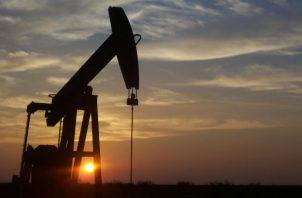 El petróleo es una de las materias primas más vitales del mundo. (Imagen: Pixabay)