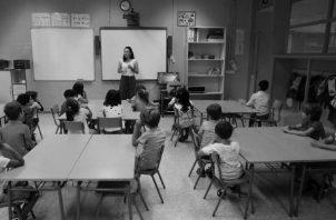 La labor del docente es preparar a los individuos del mañana para que cada uno se destaque en la carrera que aprenderá. Foto: EFE.