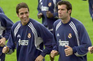 Raúl González y Luis Figo, en un entrenamiento de Real Madrid. Foto:EFE