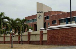 Colegio San Agustín ofrece servicio de primaria y secundaria.