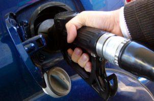 Consumo de la gasolina ha caído 70% a 75% en el país. Foto/Archivo