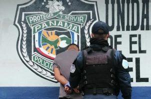 Un total de 21.844 hombres han sido retenidos en 49 días de toque de queda y cuarentena a nivel nacional. Foto Policía Nacional