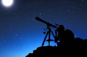 Están dirigidos al público en general, astrónomos, aficionados a la astronomía, docentes y estudiantes. Pixabay