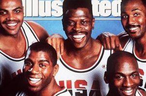 Patrick Ewing (centro.) con el Dream Team. Foto: Sports Ilustred