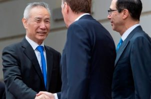 El viceprimer ministro chino Liu He, conversó con el representante de Comercio de Estados Unidos, Robert Lighthizer, y con el secretario del Tesoro. EFE