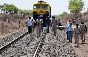 El Gobierno de Maharashtra anunció una indemnización de 500.000 rupias (unos 6.100 euros) para los familiares de los fallecidos.