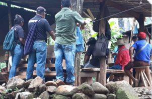 Los sujetos viajaban en automóvil, siendo identificados por los habitantes de la comunidad. Fotos: Melquíades Vásquez.