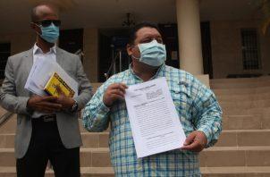 Samid Sandoval presentó el recurso ante la Corte Suprema de Justicia. Foto/ Víctor Arosemena