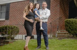 Meghan Perez decidió dar a luz en casa, algo que no había considerado antes del coronavirus. Foto / Johnny Milano para The New York Times.