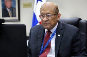 El ministro Alexander se refirió a la difícil situación económica. Cortesía