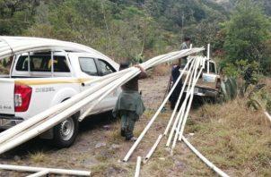 Los tubos ubicados en el sector de Los Llanos en el corregimiento de Paso Ancho en el distrito de Tierras Altas, oscilaban entre 2.0 y 2.5 pulgadas de diámetro.