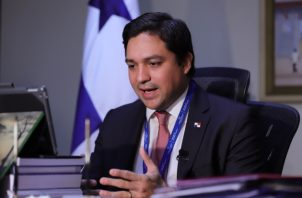 Almengor detalló que la estrategia inmediata del MEF es que Panamá cuente con los recursos presupuestarios para hacerle frente a la crisis .