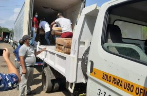 En las costas colonenses entregaron carne de res y puerco a las áreas afectadas por la pandemia.