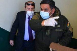 Las oficinas del área jurídica fueron precintadas, tras secuestrarse documentación, además de investigarse si hubo participación de diplomáticos de Bolivia en España y de pedir información al Banco Interamericano de Desarrollo (BID), que financia la compra con unos cinco millones de dólares, de acuerdo a la Fiscalía.