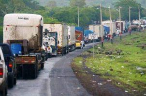 En este momento más del 80% de la carga de productos se está realizando por vía terrestre.