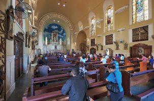 Los otros sacramentos que se impartirán, siguiendo las medidas de seguridad establecidas, son el de la confesión y la unción de los enfermos