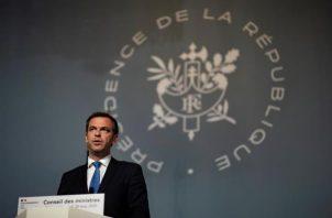 El ministro francés de Sanidad, Olivier Véran, dijo que antes de estos estudios, Francia ya restringía este tratamiento a pacientes hospitalizados y a los casos más graves. FOTO/EFE