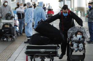 Los vuelos internacionales prácticamente se han apagado, a excepción de los vuelos de emergencia y las repatriaciones. EFE