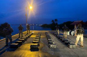 La operación se realizó con el apoyo de unidades del Guarda Costas de Estados Unidos y de la Armada de Colombia, que brindan apoyo de inteligencia a las autoridades panameñas.
