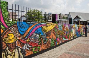 La artista Martanoemí Noriega realizó este mural justo antes de la entrada del Museo Afro-Antillano. Cortesía