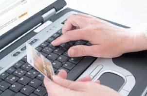 Las venta en línea es la nueva modalidad adoptada por los comercios para poder operar. Archivo