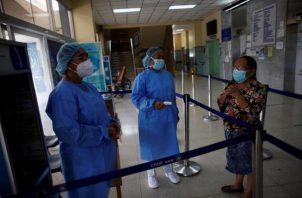 Se cuenta con un total de 14,095 casos positivos de COVID-19 y 352 personas fallecidas. Foto: EFE