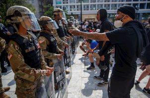 La Guardia Nacional de EE.UU. nació en 1.636 como una milicia y, actualmente, es una fuerza constituida por voluntarios que está bajo el control de los gobernadores.