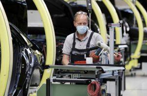 El sector se enfrenta todavía al problema del descenso de los pedidos en el extranjero. EFE