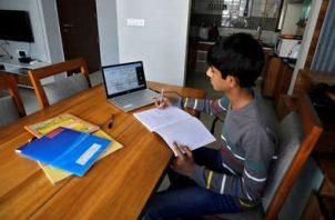 El programa de educación a distancia deberá contar con una programación analítica o modelo pedagógico definido.