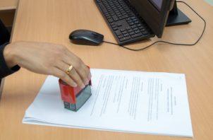 Para la reactivación de los contratos las empresas deben informar y suministrar al Mitradel un listado con los datos generales de los trabajadores. Foto/Archivo