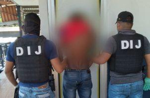 Uno de los sospechosos del doble homicidio fue capturado por unidades de la Dirección de Investigación Judicial (DIJ).