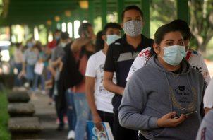Panamá cuenta con 17.889 casos positivos acumulados de COVID-19, lo que corresponde a 6.499 personas que padecen actualmente el virus. Foto Víctor Arosemena