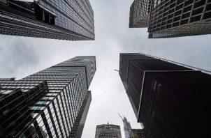"""Edificios de oficinas """"no están diseñados para quedarse solos durante meses"""", dijo un experto. Una calle en NY. Foto / Chang W. Lee/The New York Times."""