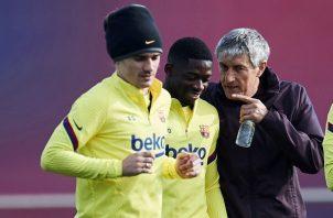 Quique Setién en los entrenamientos del Barcelona