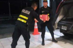 La mercancía era transportada en dos vehículos particulares. Foto: Mayra Madrid