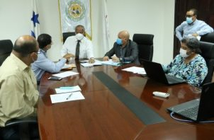 Autoridades del Ipacoop y Coacecss coordinan la devolución de aportaciones. Cortesía