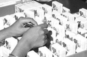 La cédula de identidad personal acredita el nombre de la persona, la fecha de nacimiento, la provincia donde nació, el sexo, tipo de sangre, entre otros datos. Foto: Cortesía.