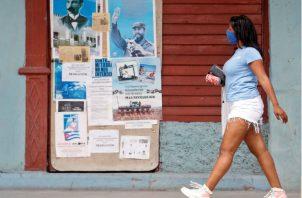 Brigadas médicas cubanas han sido desplegadas en varios países. Fotos: EFE.