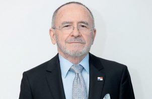 Fernán Molinos Delaswsky recibió en 2005 la Orden Nacional Manuel Amador Guerrero, en el Grado de Gran Oficial.